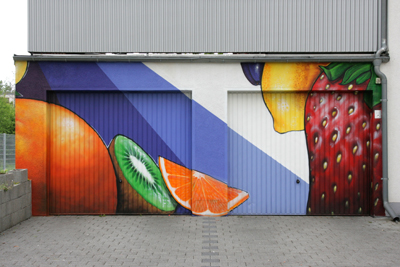 Garage with a fruit mural; photo courtesy Frank Vincentz